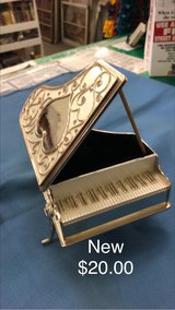 Piano Jewelry holder (New) in Fort Leonard Wood, Missouri