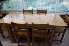 Solid Oak Dining Table and 6 chairs Extending in Lakenheath, UK