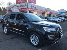 Ford EXPLORER XLT, 11xxx Miles BRAND NEW in Stuttgart, GE