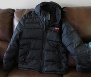 NEW Men's Levi's®  Performance Hooded Puffer Jacket size M in Pleasant View, Tennessee