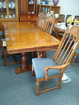 Dining Table with 8 Chairs and 2 Leaves in Naperville, Illinois