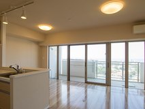 MODERN APT IN CHATAN!(VR viewing available)No.11 in Okinawa, Japan