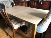 Beautiful Canadel Wood Dining Table w/Leaf in St. Charles, Illinois