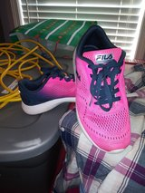 fila shoes size 8 in bookoo, US