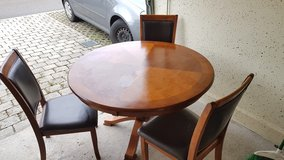 Round Game Table with chairs - Weekend Sale! in Stuttgart, GE
