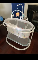 Bassinet- Soothing Motion Fisher Price in Joliet, Illinois