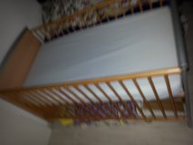 Baby Bed very good shape with mattress and matching shelf for clothes or diapers $22 in Stuttgart, GE