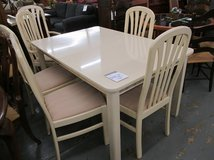 Ivory Color Broyhill Dining Table, 1 Leaf and 6 Chairs in St. Charles, Illinois