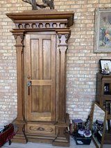 Large Antique Cabinet in bookoo, US