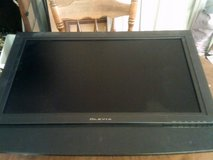 Olevia flat screen tv with remote in Alamogordo, New Mexico