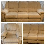 2 Lane custom sofas and 1 custom recliner set (great condition) in Shorewood, Illinois