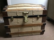 VINTAGE BARREL TOP WOODEN  TRUNK—PAINTED in Alamogordo, New Mexico