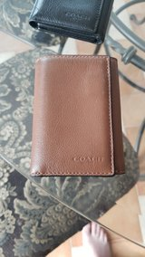 Coach brown leather wallet in Grafenwoehr, GE