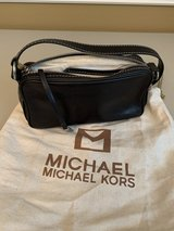 Michael Kors Black Leather Pouch Purse in The Woodlands, Texas