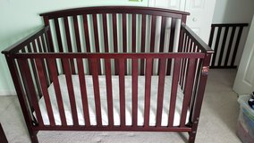 Graco Freeport 4-in-1 Convertible Crib set in Cherry Point, North Carolina