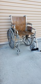 Wheel Chair with 1 Foot Rest $65 in Camp Pendleton, California