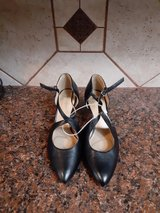 9.5 Brand New Naturalizer shoes in Pasadena, Texas
