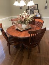 Nichols & Stone Dinning Table in Camp Lejeune, North Carolina