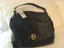 Michael Kors hand bag like new with tag in Fort Belvoir, Virginia