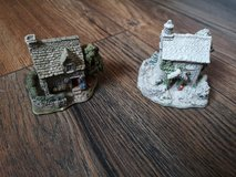 2 lilliput Lane houses in Lakenheath, UK