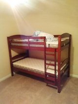Twin bed and 6 drawer dresser like new in Fort Gordon, Georgia
