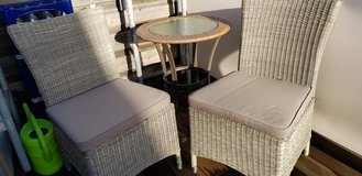 Outdoor furniture, 2 chairs and table in Wiesbaden, GE