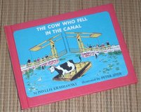 Vintage 1957 The Cow Who Fell in the Canal Hard Cover Book $1 or Free in Joliet, Illinois