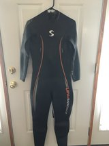 Men's Full Sleeve Triathlon Wetsuit in Naperville, Illinois