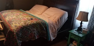 Sleep number split top King bed in Great Lakes, Illinois