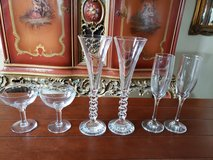 Four Beautiful & Elegant Sets of Champagne Flutes & Glasses - EXCELLENT Condition! in Alamogordo, New Mexico