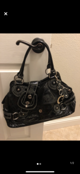 Black Guess purse for sale in Travis AFB, California