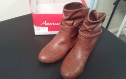 AMERICAN EAGLE size 9 Women BOOTS in Shorewood, Illinois
