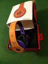 Kobe Headphones (wired) in Fort Campbell, Kentucky