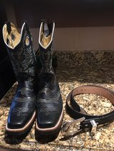 Men black boots size 10D and belt size 40 in Alamogordo, New Mexico