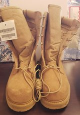 Size 7R Desert combat boots in Nellis AFB, Nevada