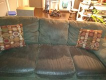 Couch for sale in Fort Belvoir, Virginia