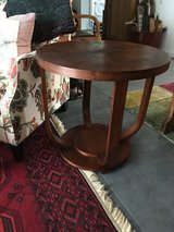 Antique Foyer/End Table in Ramstein, Germany