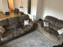 Gray Couch Set (3 seater and 2 seater) in Wiesbaden, GE