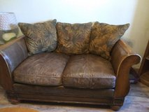 Leather love seat in Alamogordo, New Mexico