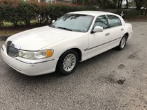 1998 Lincoln town car in Beaufort, South Carolina