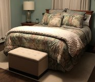 Queen Comforter Set in Joliet, Illinois