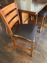 Dinning room table and 4 chairs in Fort Belvoir, Virginia