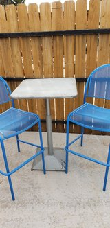 bistro table 2 stools in Alamogordo, New Mexico