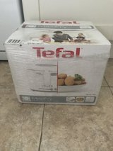 Tefal maxifry - new in box in Lakenheath, UK