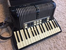 Hohner accordion + 12kg music books in Ramstein, Germany