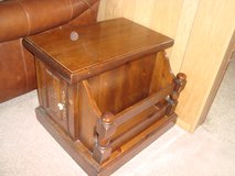 Early American/Country Style Maple Wood End Table w/attached side Magazine Caddy in Orland Park, Illinois