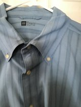 GAP MEN'S CLASSIC FIT LONG SLEEVE BLUE STRIPE SHIRT XL in Alamogordo, New Mexico