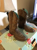 Macie Bean Boots brown size 8B. in CyFair, Texas