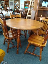 Round Wood Table, 4 Chairs, 1 Leaf in Naperville, Illinois