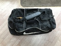 NIKE LARGE KIT BAG/HOLDALL as new in Lakenheath, UK